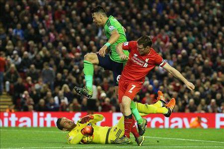 "Milner: ""San nha Anfield chua giup ich nhieu cho Liverpool"" - Anh 2"