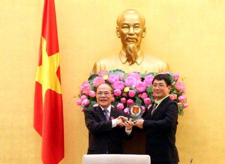 Lien doan cac nha bao ASEAN tiep kien Chu tich Quoc hoi Nguyen Sinh Hung - Anh 2