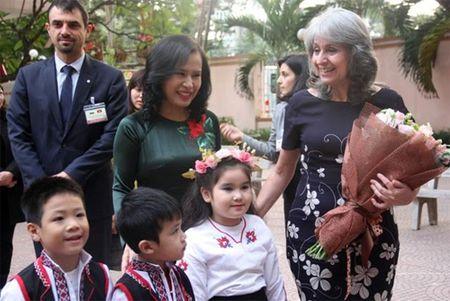 Pho tong thong Bulgaria tham truong mam non Viet - Bun - Anh 1