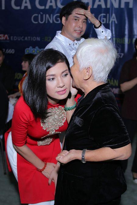 Ngoc Son mung sinh nhat Viet Trinh o vien duong lao - Anh 5