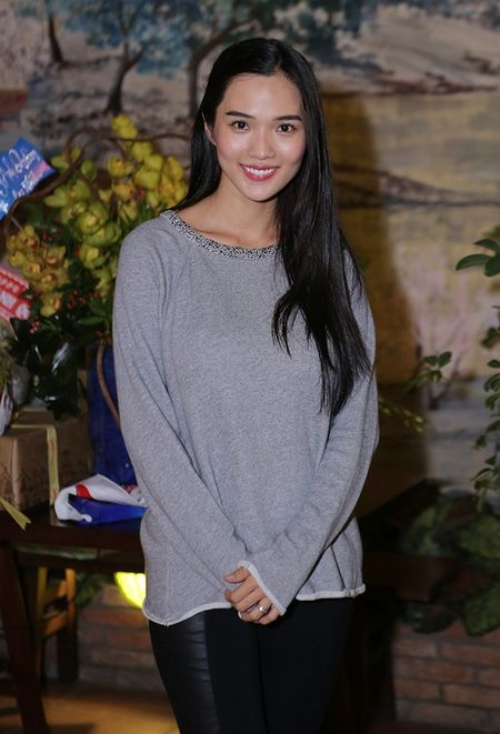 Ung Hoang Phuc dua ba xa di tiec sinh nhat - Anh 2