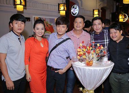 Ung Hoang Phuc dua ba xa di tiec sinh nhat - Anh 6
