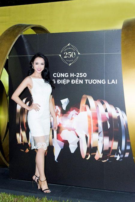 Nguoi dep phim 'Quyen' khoe ve goi cam, do dang voi Linh Nga - Anh 6