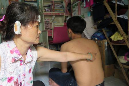 Truy tim nghi can vu cau cuu Bo truong Cong an qua facebook - Anh 2