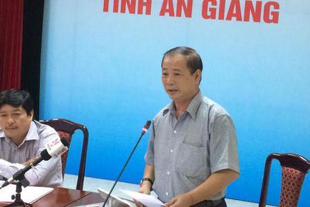 3 can bo 'co loi' khi dung facebook che Chu tich tinh - Anh 2