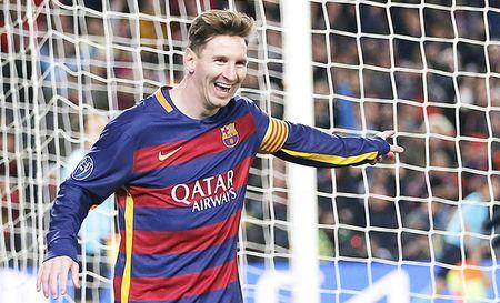 Barcelona de bep Roma 6-1: Barcelona trang kien hon voi Messi - Anh 1