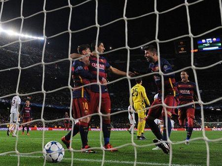 Barcelona de bep Roma 6-1: Barcelona trang kien hon voi Messi - Anh 3