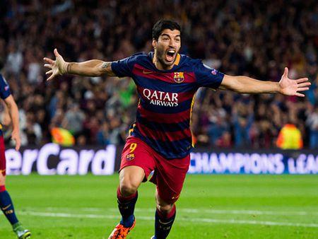 Doi hinh tieu bieu Champions League: Messi, Ronaldo va Suarez linh xuong hang cong - Anh 10