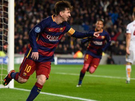 Doi hinh tieu bieu Champions League: Messi, Ronaldo va Suarez linh xuong hang cong - Anh 9