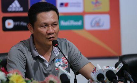 HLV HAGL 'khich bac' dong nghiep ben phia U21 Viet Nam - Anh 1