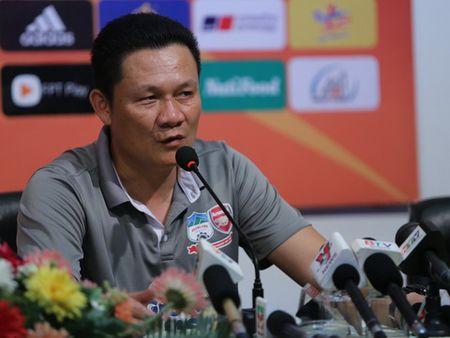 HLV HAGL 'khich bac' dong nghiep ben phia U21 Viet Nam - Anh 2
