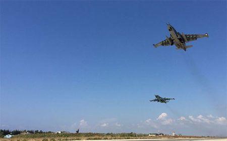 "CNN: Voi S400, bay qua khong phan Syria ""phai co su cho phep cua Nga"" - Anh 1"