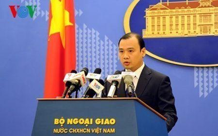Viet Nam tiep tuc theo doi vu Philippines kien Trung Quoc o Bien Dong - Anh 1