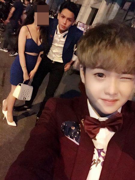 Cap doi dong tinh 'cute nhat Sai Gon': Do vo vi 1 co gai? - Anh 4