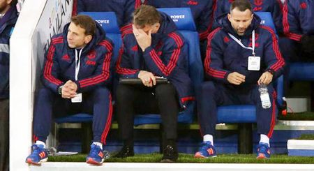 'Toi chan den phat khoc khi xem Man United thi dau. Phi ca 300 trieu bang!' - Anh 1