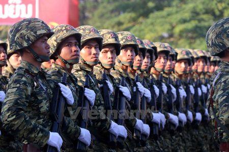 Lao dieu binh, dieu hanh chao mung 40 nam Ngay doc lap - Anh 10