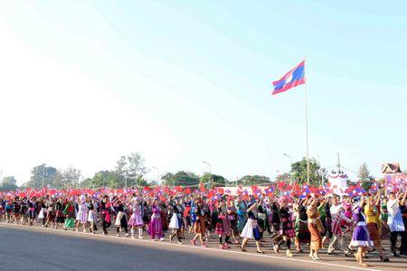Lao dieu binh, dieu hanh chao mung 40 nam Ngay doc lap - Anh 11