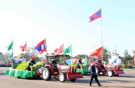 Lao dieu binh, dieu hanh chao mung 40 nam Ngay doc lap - Anh 12