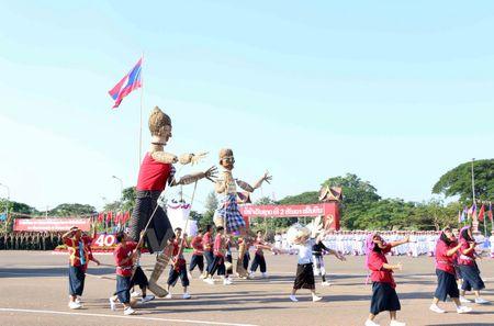 Lao dieu binh, dieu hanh chao mung 40 nam Ngay doc lap - Anh 14