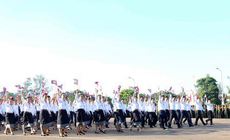Lao dieu binh, dieu hanh chao mung 40 nam Ngay doc lap - Anh 15