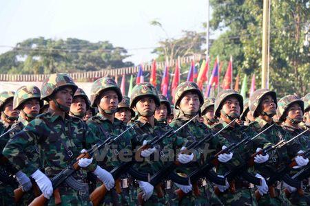 Lao dieu binh, dieu hanh chao mung 40 nam Ngay doc lap - Anh 7