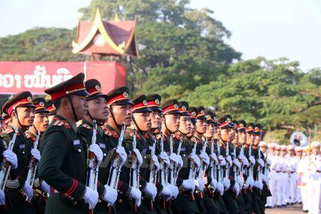 Lao dieu binh, dieu hanh chao mung 40 nam Ngay doc lap - Anh 8