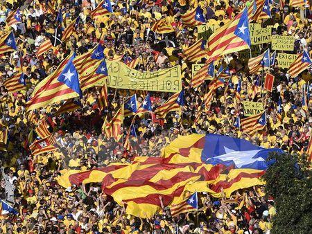 Toa an Hien phap TBN bai bo nghi quyet doi doc lap cua Catalonia - Anh 1