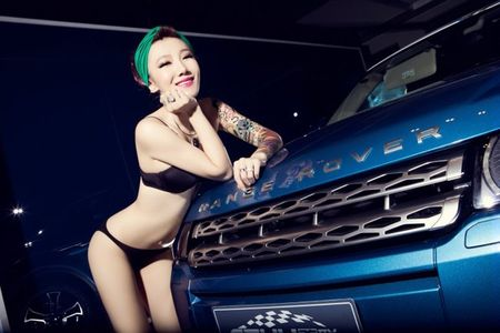 "Vong 3 sexy ""thach thuc"" xe sang - Anh 7"
