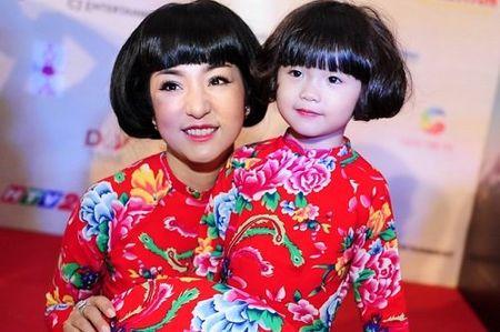 "Hoai Linh ""ket nap"" gai cung Thuy Nga lam con nuoi - Anh 5"