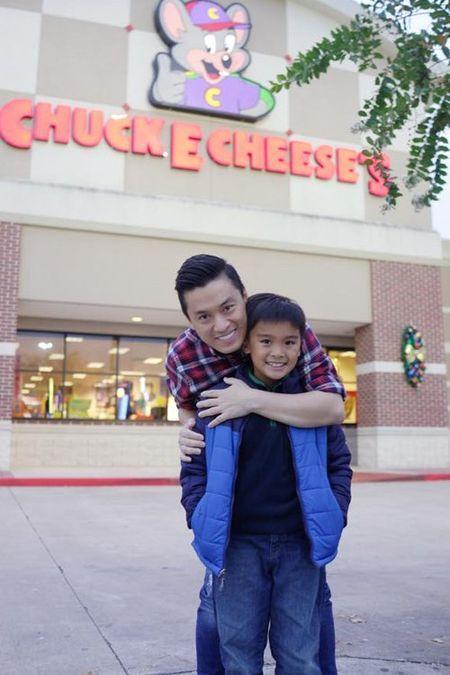 Facebook sao 2/12: Con trai Lam Truong ngay cang giong bo - Anh 1