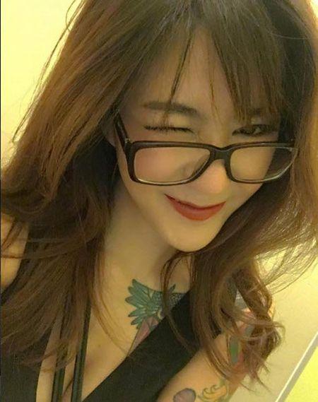 """Hot girl xam tro gay """"bao"""" vi ve dep diu hien - Anh 2"""