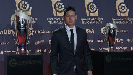 Messi vuot Cris Ronaldo trong giai tien dao hay nhat La Liga - Anh 2
