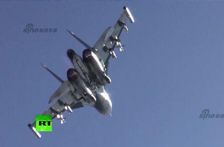 "May bay nem bom Su-34 lieu co ""cua thang"" neu khong chien? - Anh 13"