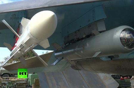 "May bay nem bom Su-34 lieu co ""cua thang"" neu khong chien? - Anh 14"