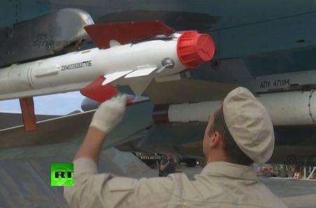 "May bay nem bom Su-34 lieu co ""cua thang"" neu khong chien? - Anh 3"