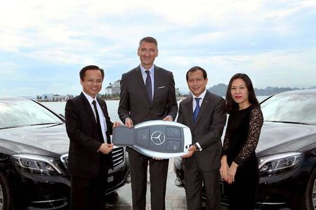 Cap doi Mercedes S-Class cap ben Vinpearl Ha Long Bay - Anh 7
