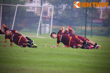U23 Viet Nam chinh thuc buoc vao cuoc kho luyen - Anh 9