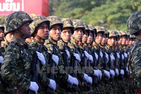 Muc kich Quan doi Lao dieu binh chao mung 40 nam Quoc khanh - Anh 10