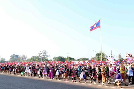 Muc kich Quan doi Lao dieu binh chao mung 40 nam Quoc khanh - Anh 11