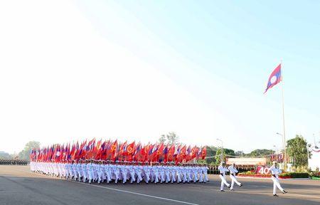 Muc kich Quan doi Lao dieu binh chao mung 40 nam Quoc khanh - Anh 5