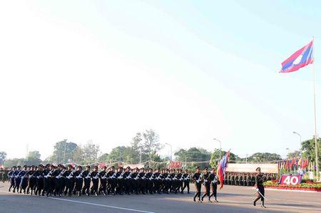 Muc kich Quan doi Lao dieu binh chao mung 40 nam Quoc khanh - Anh 6