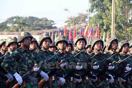Muc kich Quan doi Lao dieu binh chao mung 40 nam Quoc khanh - Anh 7