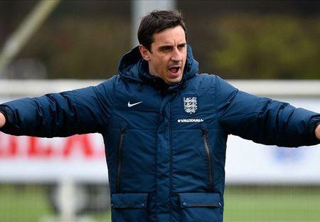Nong! Gary Neville duoc bo nhiem lam HLV Valencia - Anh 1