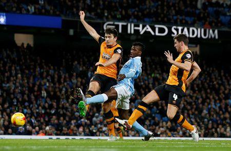 Man City vao ban ket Cup Lien doan Anh - Anh 3