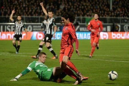 PSG be tac, Ligue 1 'tit ngoi' - Anh 3