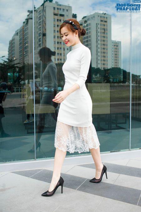 Street style xuong pho chat nhu Hoang Thuy Linh - Anh 1