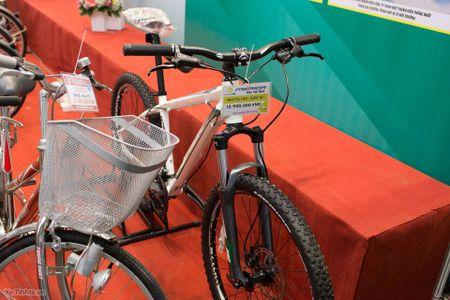 Hinh anh trien lam xe hai banh Vietnam Cycle 2015: rat nhieu xe dap truyen thong, it phu kien - Anh 8