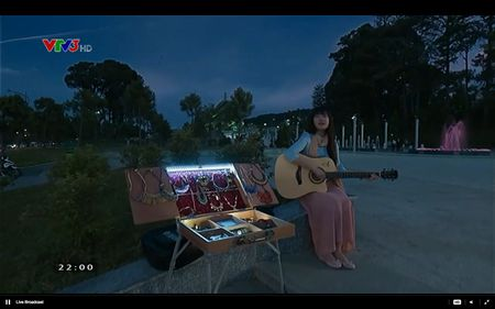 Phim Khuc hat mat troi - Tap 3: Vi noi lo com ao gao tien, Quang Tuan 'bo roi' Nha Phuong - Anh 12
