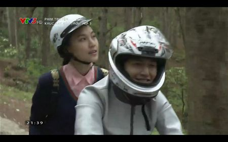 Phim Khuc hat mat troi - Tap 3: Vi noi lo com ao gao tien, Quang Tuan 'bo roi' Nha Phuong - Anh 14