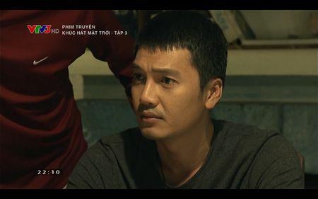 Phim Khuc hat mat troi - Tap 3: Vi noi lo com ao gao tien, Quang Tuan 'bo roi' Nha Phuong - Anh 24